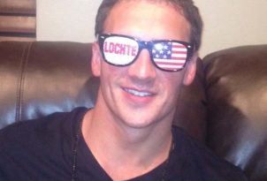 Ryan Reps his glasses!
